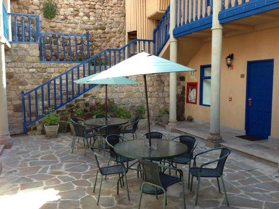 Tierra Viva Cusco Saphi:                   Interior courtyard