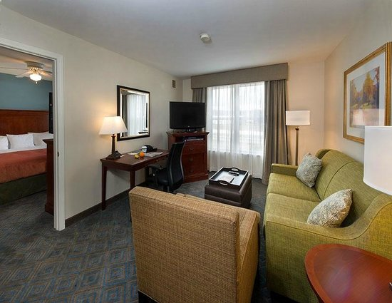 Homewood Suites by Hilton Knoxville West at Turkey Creek: Suite Living Area