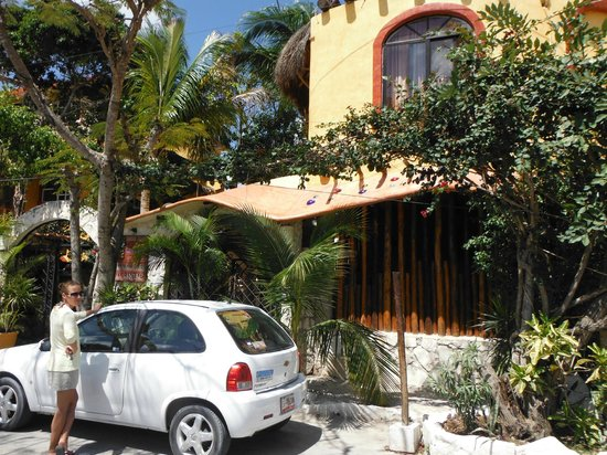 Maison Tulum : Devant de l'hôtel