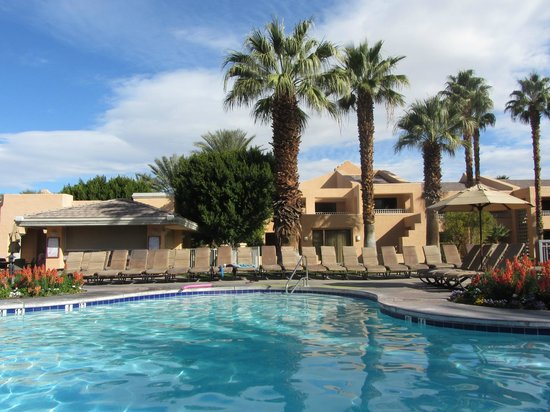 Westin Mission Hills Golf Resort & Spa :                   Pool by building 8 and 13