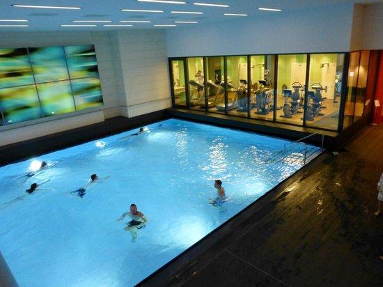 Pullman Berlin Schweizerhof: Pool und Fitnessbereich