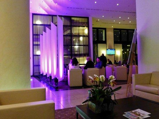 Pullman Berlin Schweizerhof: Lounge