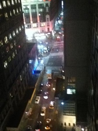 โรงแรมเมโทร:                                     Taken from Roof Terrace showing Macys