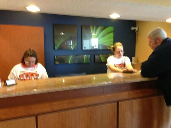 Fairfield Inn & Suites Beloit:                   Staff was dressed in Hope gear when our fan bus arrived