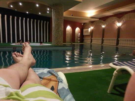 سوريدا هوتل:                   Indoor Pool and Jacuzzi                 