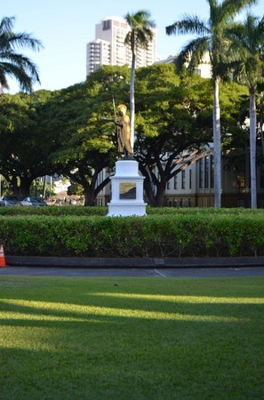 Discover Hawaii Tours:                   downtown