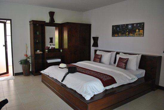 Chaw Ka Cher Tropicana Lanta Resort:                   room