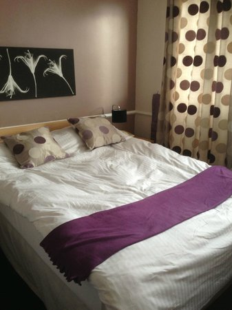 The Northumberland Hotel:                   Comfy bed room 14