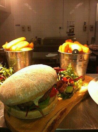 Farmers Fayre Farm Shop:                   Farmers burger on sour dough bap