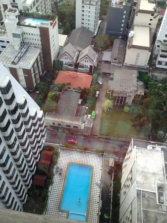 Omni Tower Sukhumvit Nana by Compass Hospitality: View from room