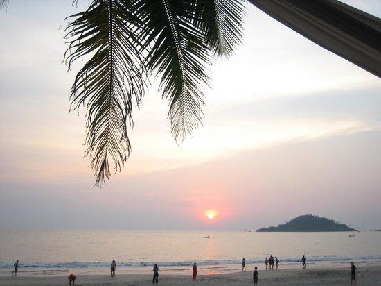 Art Resort Goa:                   Sun down
