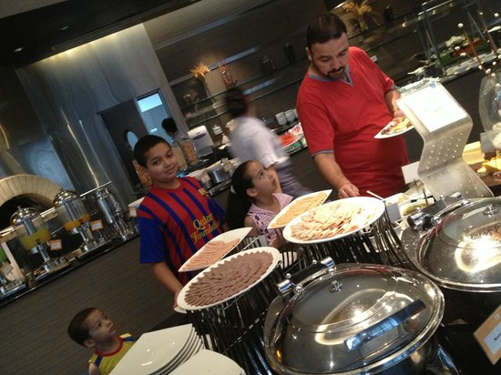 Novotel Bangkok Ploenchit Sukhumvit: Breakfast