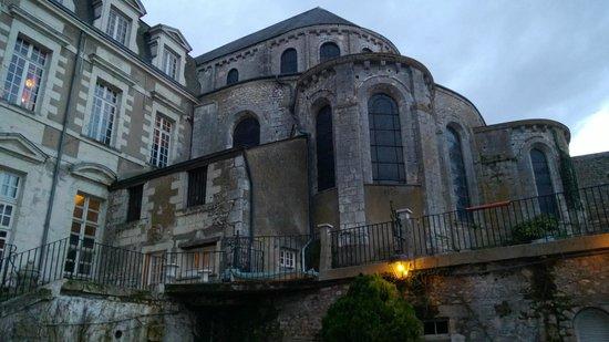 Le Grand Hotel de l'Abbaye:                   Vue extérieure de l'hôtel