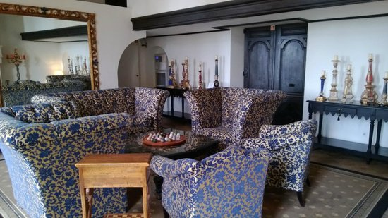 Le Grand Hotel de l'Abbaye:                   Un des deux salons