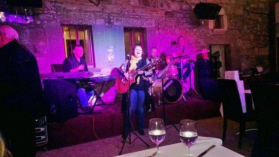 Küba Bar: cengiz özdemir&trio