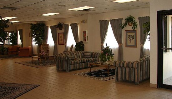 Regency Inn and Suites: Looby