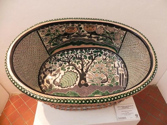Ceramic Museum (Museo Regional de la Ceramica):                                     Ceramics on Display