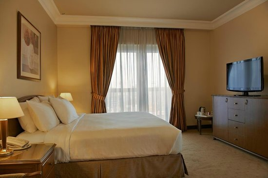 Hilton Cairo Zamalek Residences: Master room in a suite