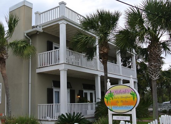 Lisbeth's Bed & Breakfast By the Sea:                   LISBETH'S BY THE SEA