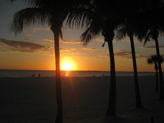 Best Western Plus Beach Resort:                   sunset from hotel