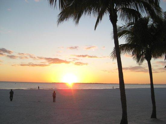 Best Western Plus Beach Resort:                   gorgeous sunsets