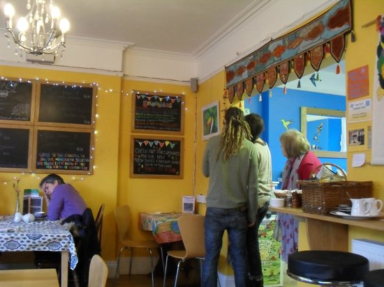 The Toucan Cafe:                   choosing what to eat.....