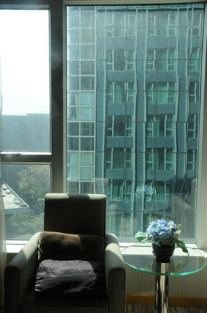 Park Hotel Hong Kong:                   A nice sitting spot with a view