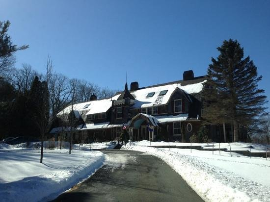 Inn At Lake Joseph:                   Main house!