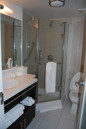 Staybridge Suites Times Square - New York City:                   Staybridge Bathroom