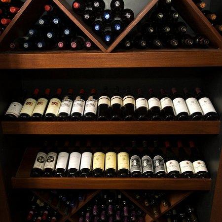Aroma Mediterranean Resto Bar : WineBar