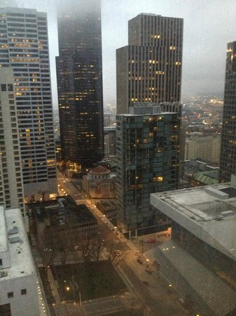Crowne Plaza Seattle Downtown Area: View from 33rd floor room