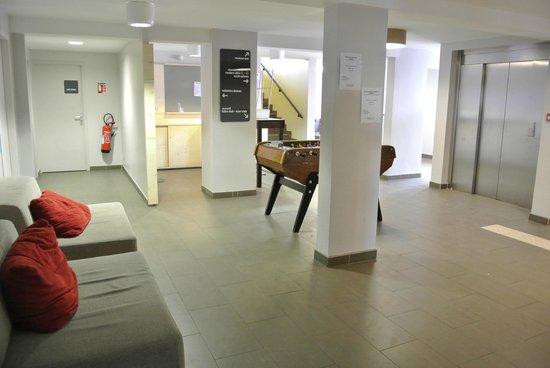 Village Club Cap'vacances de La Plagne :                   couloir