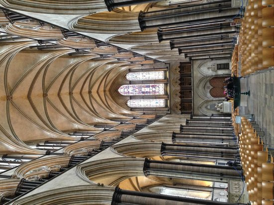 Salisbury Cathedral: Amazing architecture