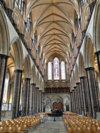 Salisbury Cathedral and Magna Carta: Amazing architecture