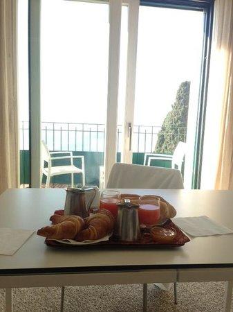 Hotel Villa Belvedere:                   Breakfast & Balcony