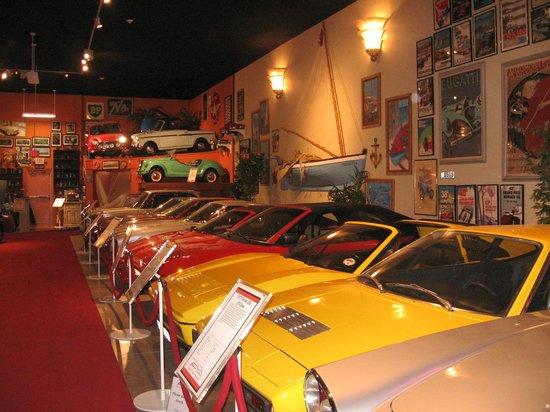 Cayman Motor Museum:                   row of cars