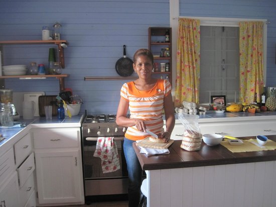 Sand Dollar Beach Bed & Breakfast: Delicious breakfast made to order.
