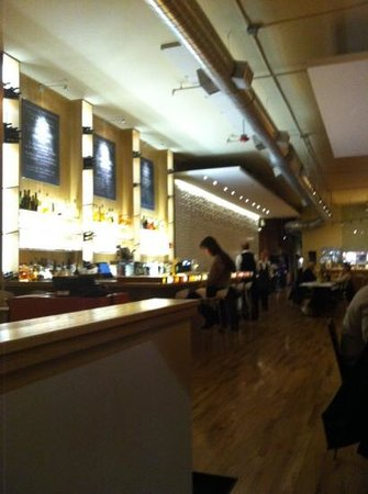 Pastavino: bar area