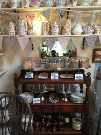 Worth Matravers Tea and Supper Room: A trolley full of deliciousness