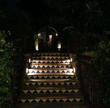 Belmond Casa de Sierra Nevada:                   tile steps to pool