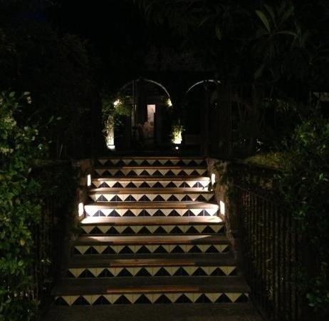 Belmond Casa de Sierra Nevada :                   tile steps to pool