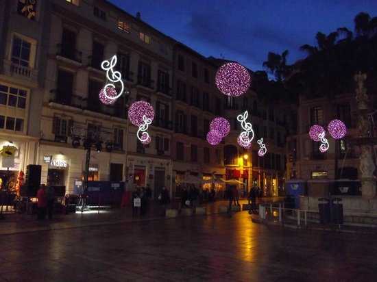 Atarazanas Malaga Boutique Hotel : Malaga at New Year