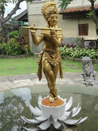 Bali Taman Resort & Spa:                   Hotel grounds
