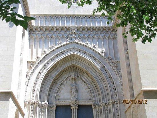 Santa Eulalia:                   Fachada