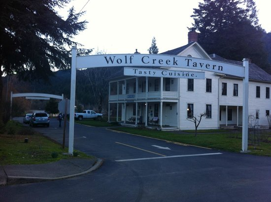 Wolf Creek Inn:                   Entry to the property