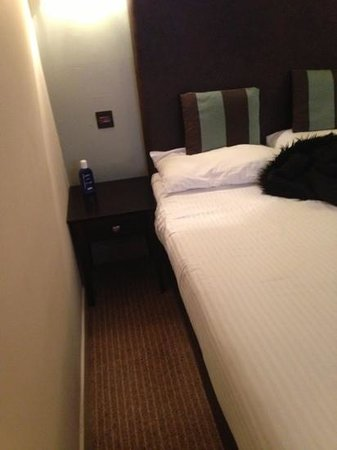 Columba Hotel:                   spacious???