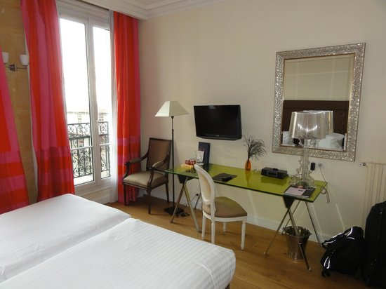 Hotel Le 123 Elysees - Astotel: Twin Room - Number 402