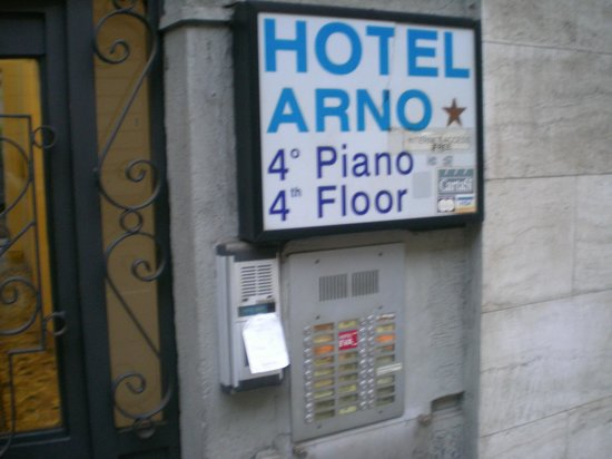 Hotel Arno: What to look for out the front.