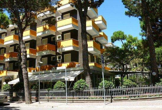 Hotel San Pietro:                   Hotel S. Pietro