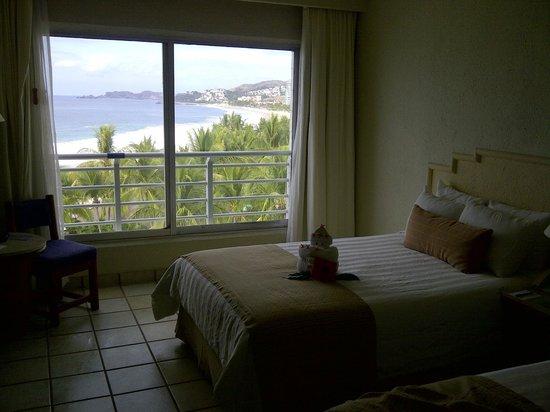 Emporio Ixtapa:                   Room